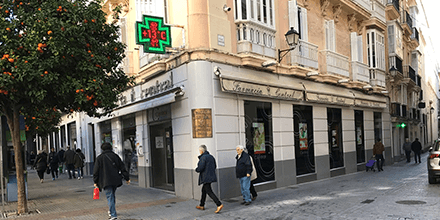 Exterior de la Farmacia Central