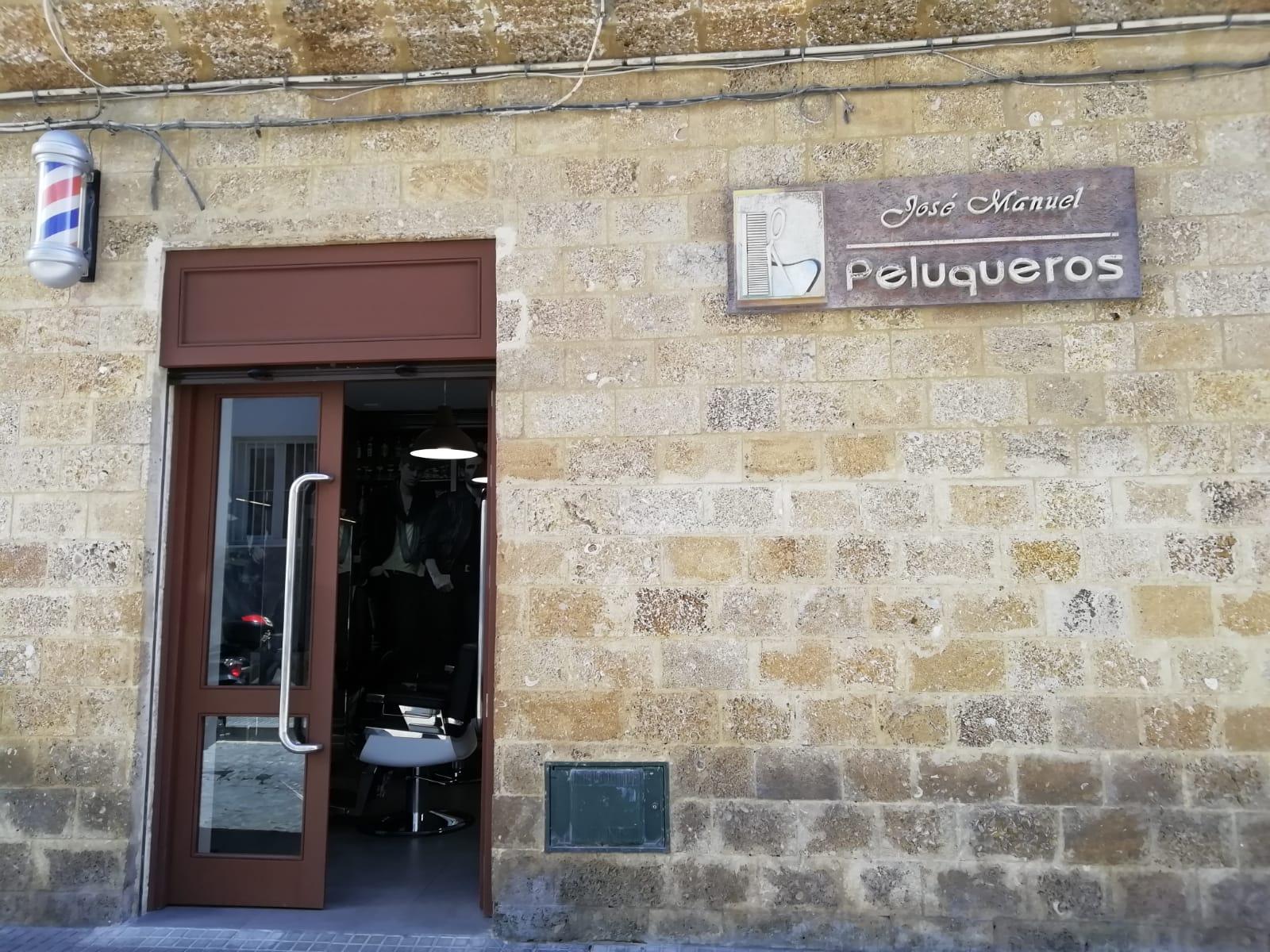 Exterior Jose Manuel Peluqueros